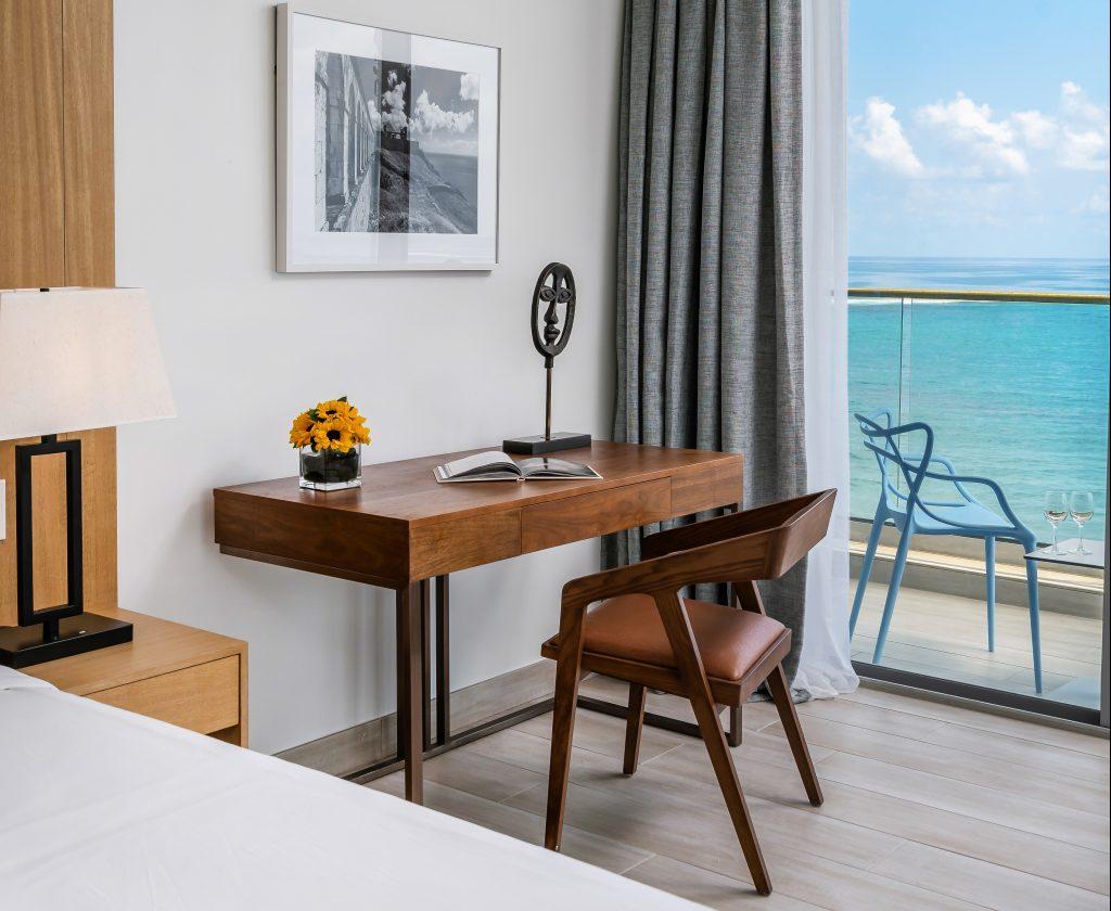 Oceanfront King Room Desk