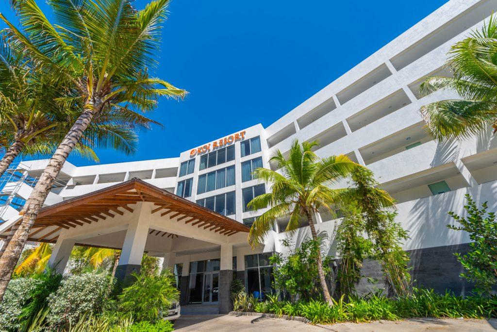Koi Resort Port De Cochere